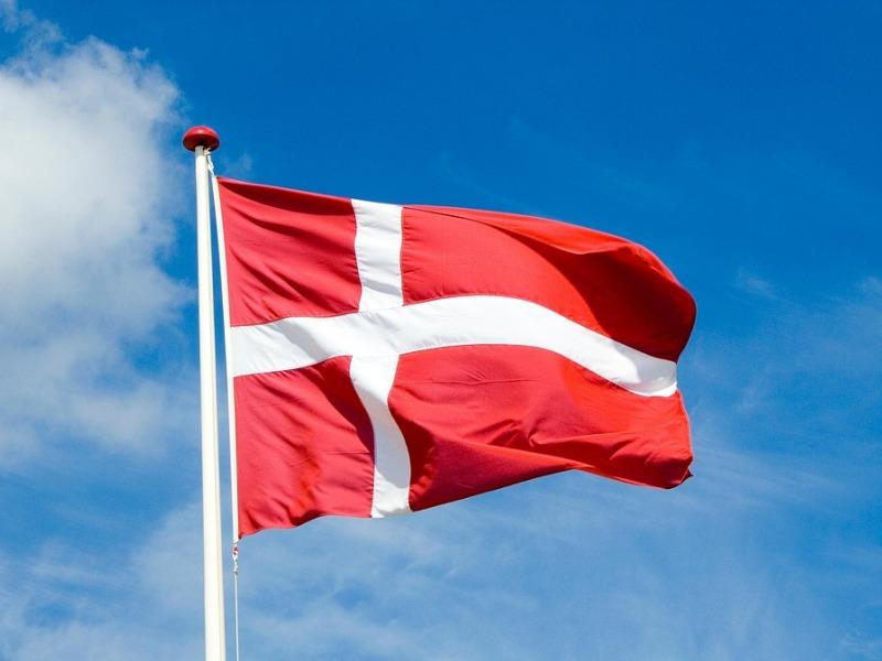 grattis på födelsedagen danska Vi ber att få gratulera vår goda granne Danmark – Semper Miles grattis på födelsedagen danska